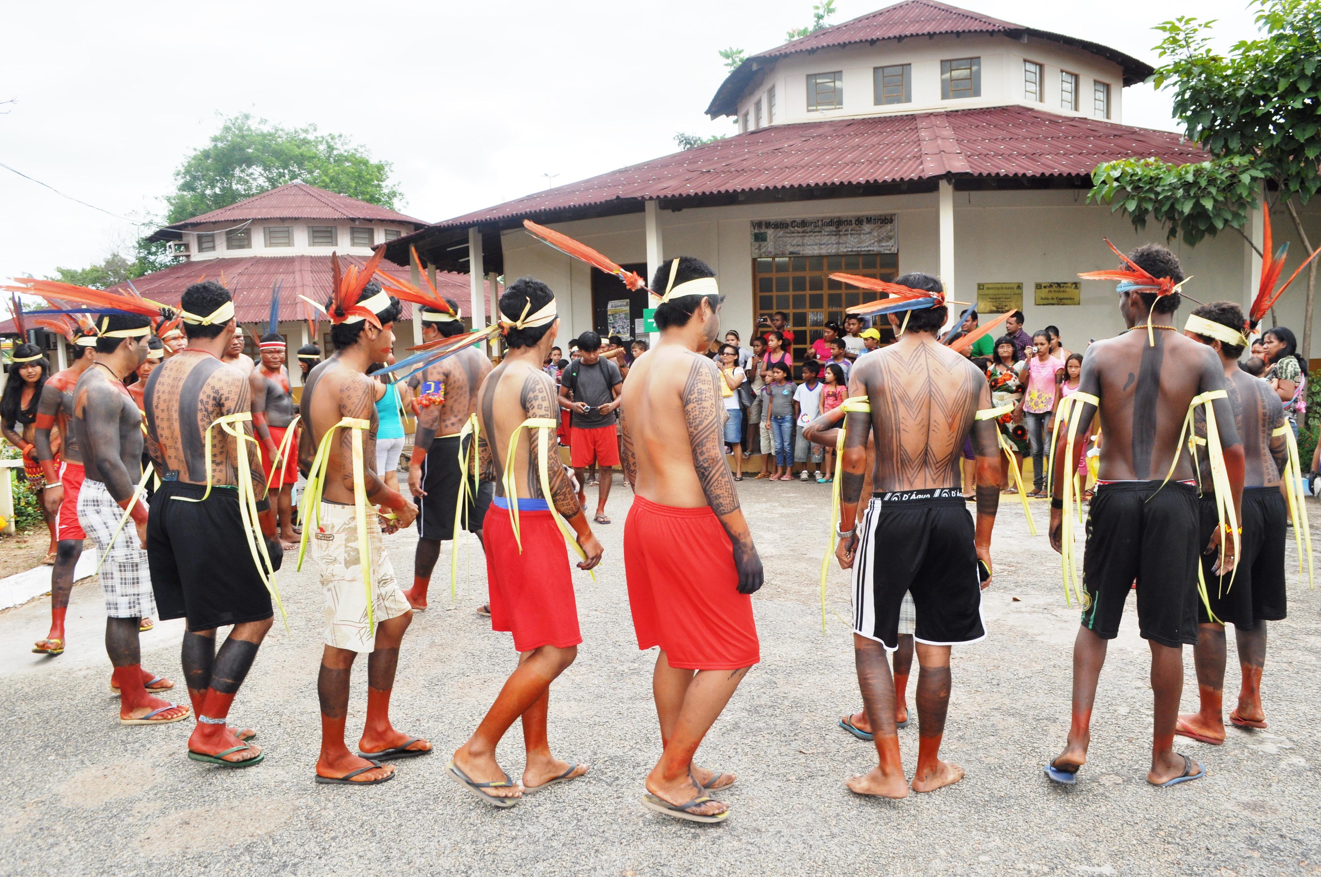 FCCM promove mostra cultural indígena