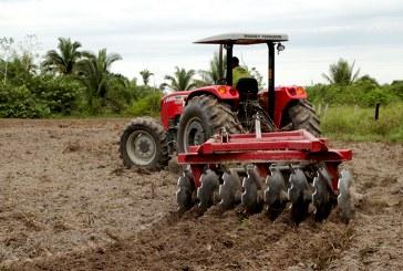 SEAGRI ATENDE MAIS DE 50 AGRICULTORES COM MECANIZAÇÃO AGRÍCOLA