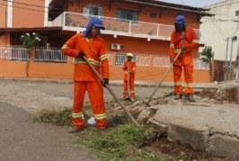 LIMPEZA URBANA: EQUIPES SEGUEM TRABALHANDO PARA MANTER A CIDADE LIMPA