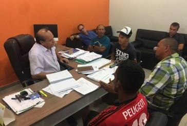 PREFEITO SE REÚNE COM COMISSÃO DE DESABRIGADOS PARA DEFINIR AS AÇÕES MAIS EMERGENCIAIS