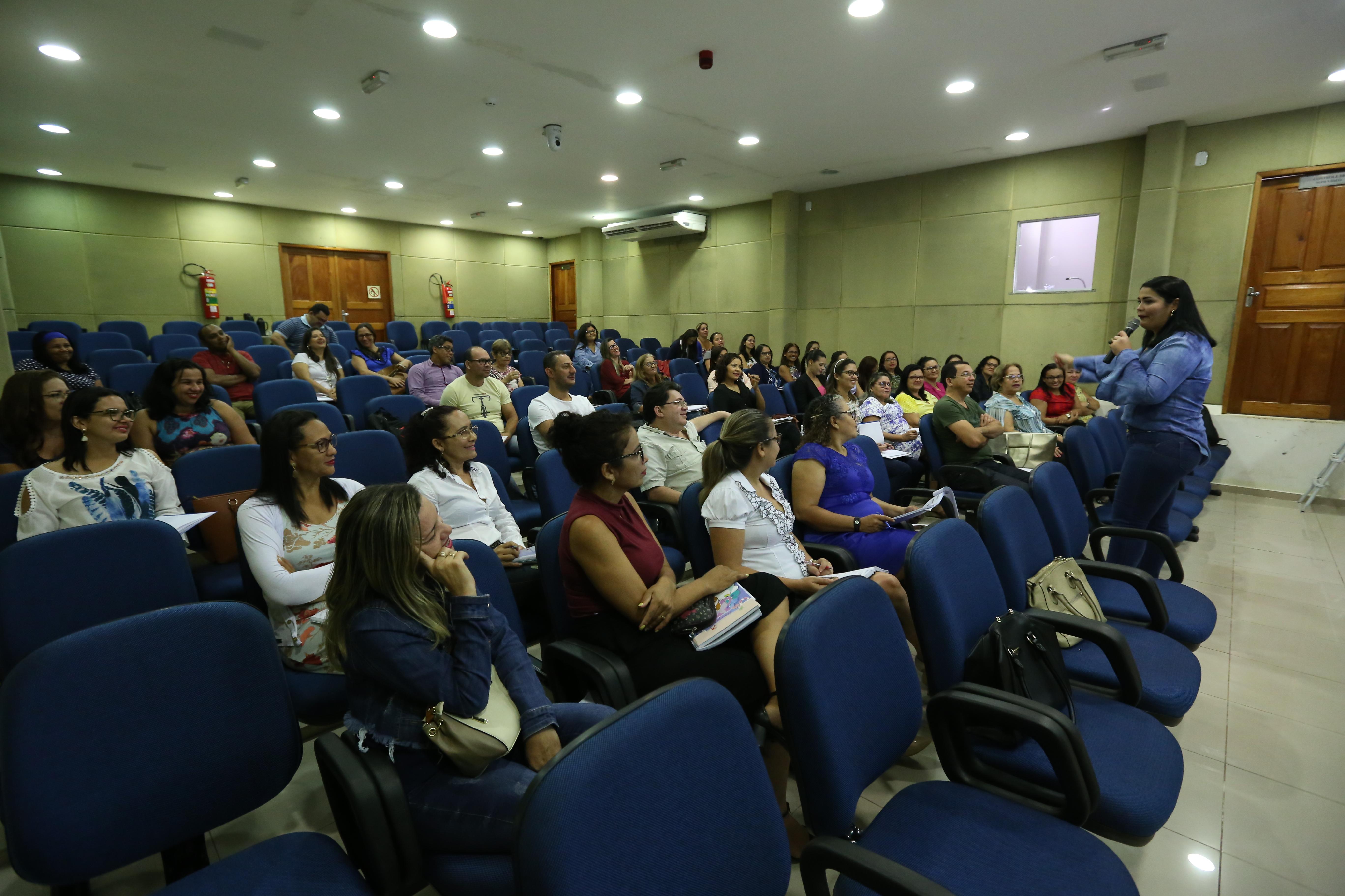 EDUCAÇÃO: SEMED COMEÇA A DISCUTIR A BASE NACIONAL COMUM CURRICULAR