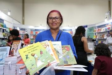 SALÃO DO LIVRO: CENTENAS DE EDUCADORES JÁ COMPRARAM COM CREDLIVRO