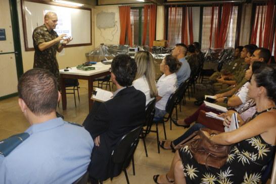 EDUCAÇÃO: EQUIPE GESTORA DO CMRIO RECEBE VISITA DO EXÉRCITO BRASILEIRO