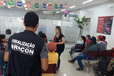 FISCALIZAÇÃO: PROCON FISCALIZA TEMPO DE ESPERA NA FILA DOS BANCOS