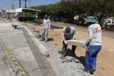 OBRAS: SEVOP ESTÁ CONSTRUINDO RECUOS NOS PONTOS DE ÔNIBUS