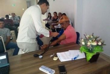 SAÚDE: AGENTES DE ENDEMIAS FAZEM TREINAMENTO DE ARBOVIROSES
