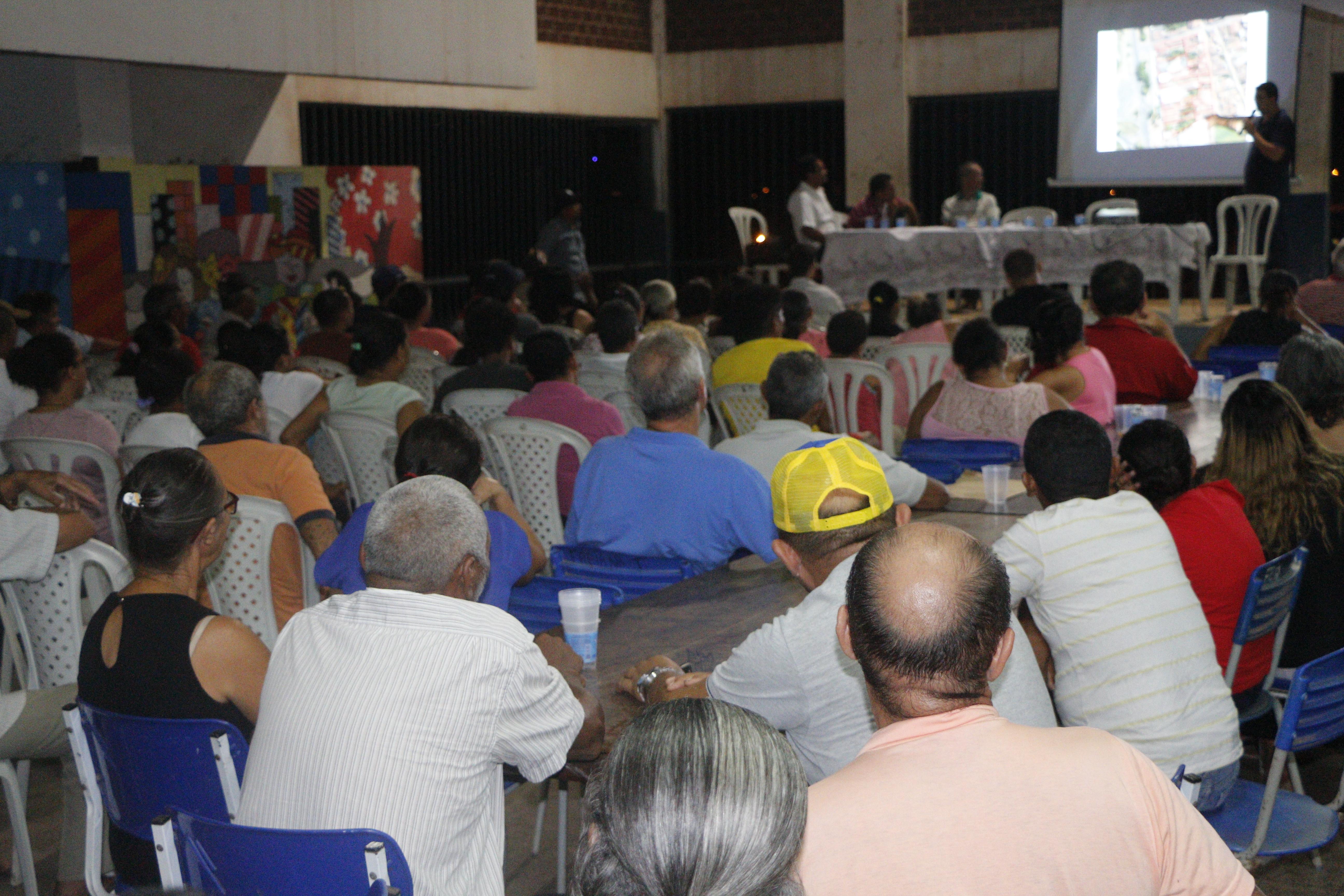 REGULARIZAÇÃO FUNDIÁRIA: SDU APRESENTA PROPOSTA DE TRABALHO A MORADORES DO KM 07
