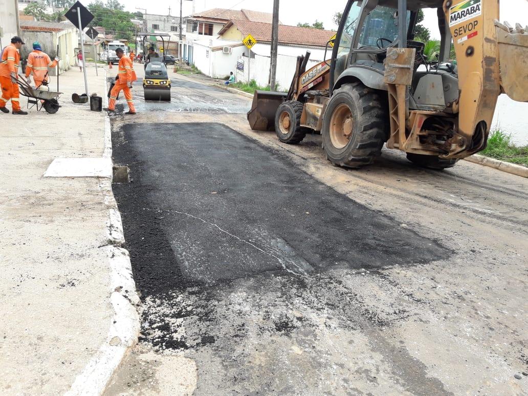 SEVOP: Operação tapa-buraco realiza trabalho de recuperação de ruas no Bairro Belo Horizonte